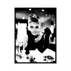 "Магнит ""Audrey Hepburn - Holly Golightli"""