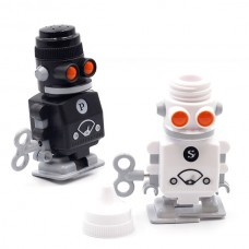 """Набор солонка+ перечница """"Robot Shakers"""" с заводным механизмом передвижения"""